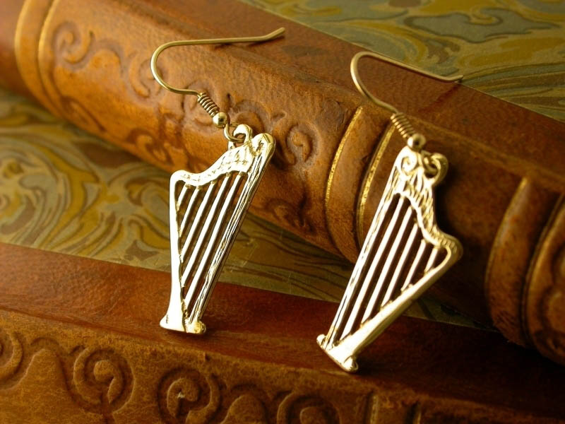 A picture of '18ct Gold Harp Earrings'