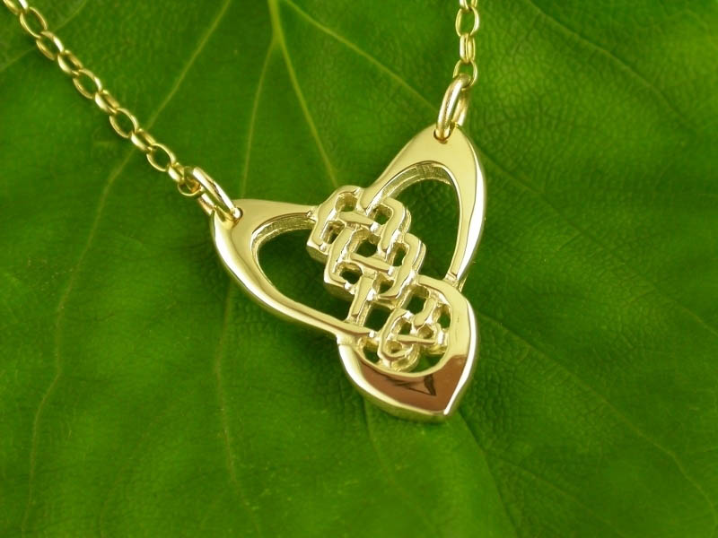 A picture of '18ct Gold Trinity Knot Necklet'