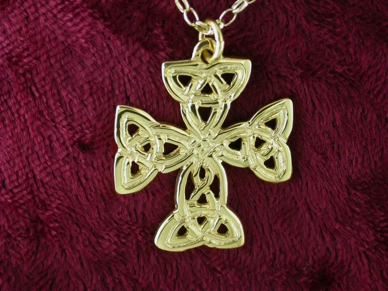 A picture of '18ct Gold St Patrick Cross Pendant'