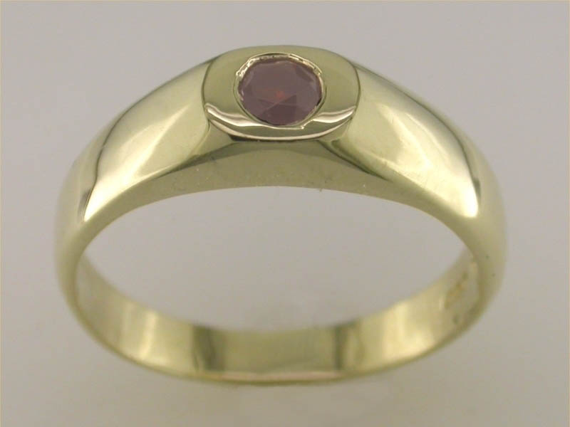 A picture of '9ct Gold Medieval Ring'