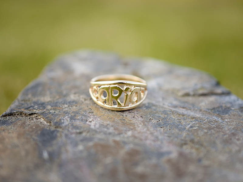 A picture of '18ct Gold Cariad Ring'