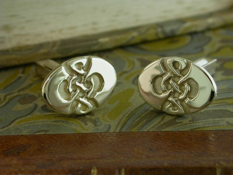 A picture of '9ct Gold Dafydd Cufflinks'