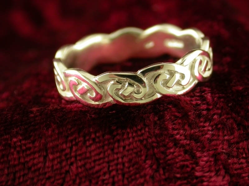 A picture of 'Silver Eternity Ring'