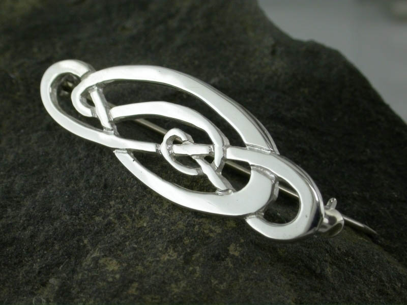A picture of 'Silver Love Knot Brooch'