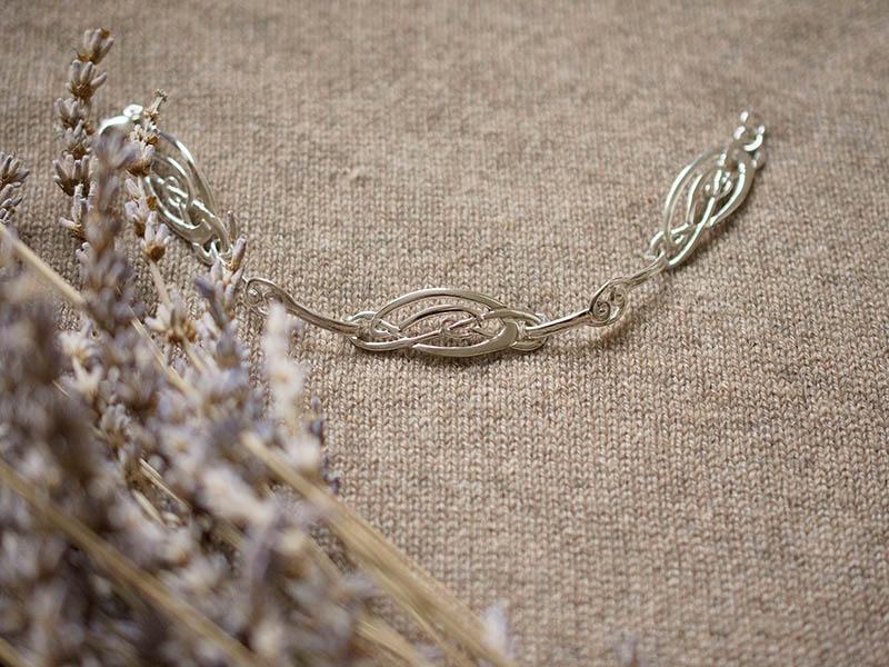 A picture of 'Silver Love Knots Bracelet'