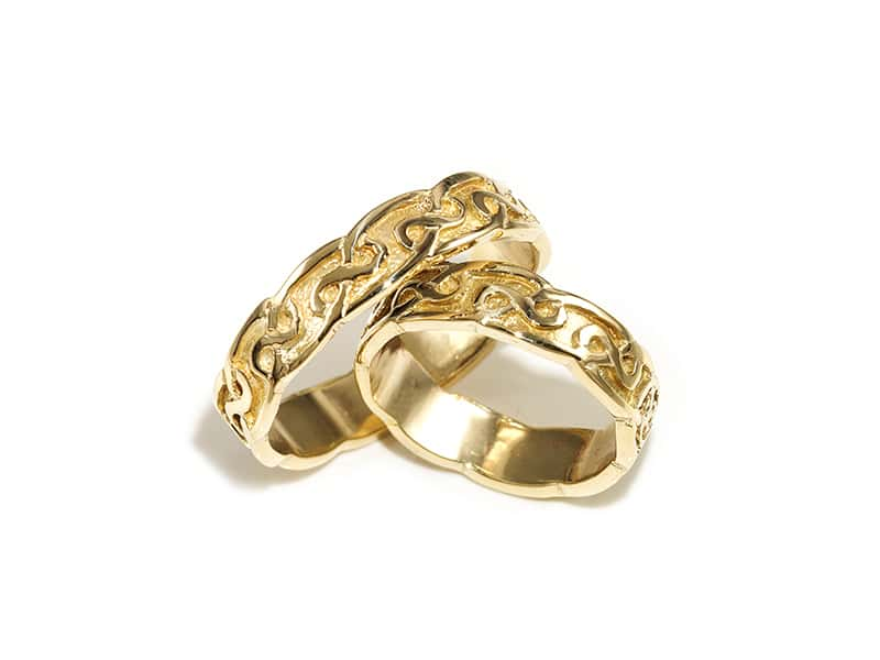 A picture of '9ct Rhiannon Welsh Gold Hafren Ring'