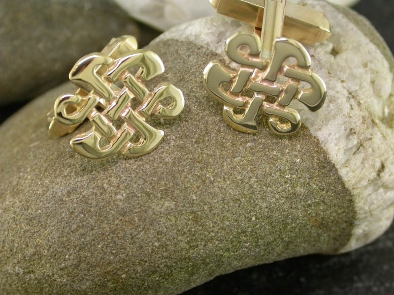A picture of '9ct Gold Celtic Knot Cufflinks'