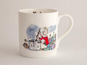 A picture of 'Roald Dahl Mug - Moddion Rhyfeddol George'