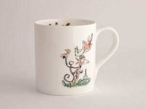 A picture of 'Roald Dahl Mug - Jiráff, y Pelican a Fi '