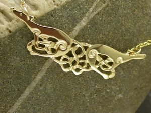 A picture of '18ct Gold Greyhounds Necklet'
