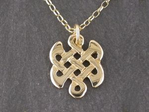 A picture of '18ct Gold Celtic Knot Pendant'