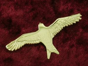 A picture of '18ct Gold Red Kite Brooch'