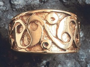 A picture of '9ct Gold LaTene Ring'