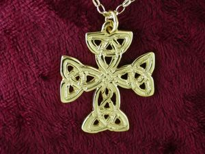 A picture of '9ct Gold St Patrick Cross Pendant'