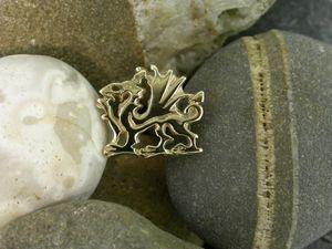 Llun o 'Pin Draig Cymru Aur 18ct'