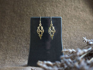 A picture of '9ct Gold Rhedynfre Stag Earrings'