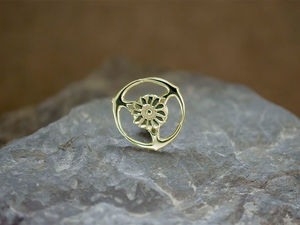 A picture of '9ct Gold Gorsedd of Birds Pin'