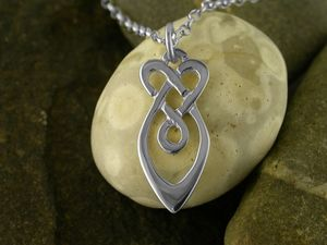 A picture of 'Silver Raindrops Pendant'