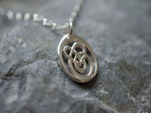 A picture of 'Silver Small Calon Lân Pendant'