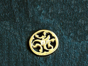 A picture of '9ct Rhiannon Welsh Gold Prysor Pin'