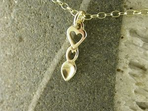 A picture of '18ct Gold Heart Love-spoon Pendant'