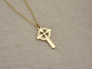 A picture of '9ct Gold Welsh Cross Pendant'