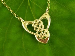 A picture of '9ct Gold Trinity Knot Necklet'
