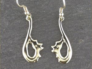 A picture of '9ct Gold Firedrakes Earrings'