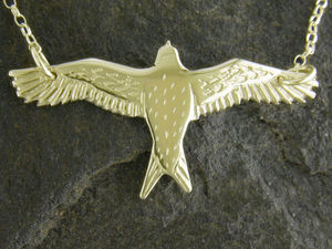 A picture of '9ct Red Kite Necklet'