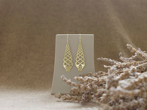A picture of '9ct Two Princes Earrings'