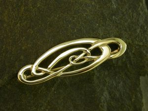 A picture of '9ct Gold Love Knot Brooch'