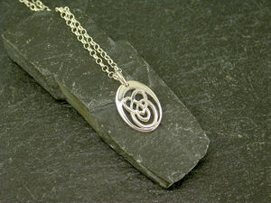 A picture of '9ct Small Calon Lân Pendant'