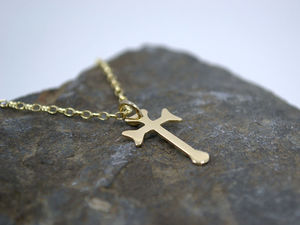 A picture of '9ct Gold Small Cadfan Cross Pendant'
