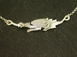 A picture of 'Silver Long Dragon Necklet'