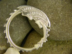 A picture of 'Silver Circle Dragon Brooch'
