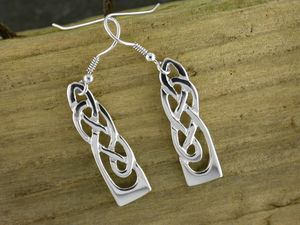 A picture of 'Silver White Wheat Earrings'