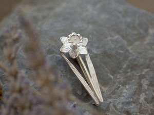 A picture of 'Silver Daffodil Brooch'