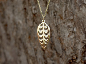 A picture of '9ct Rhiannon Welsh Gold Barley Corn Pendant'