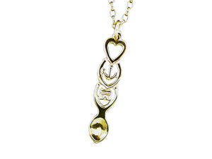 A picture of '9ct Rhiannon Welsh Gold Cwtsh Love-spoon Pendant'