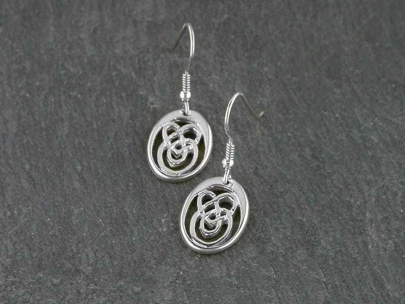 A picture of 'Silver Small Calon Lân Earrings'