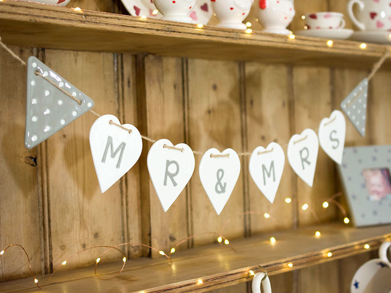 A picture of 'Spotted Triangle Ceramic Bunting''