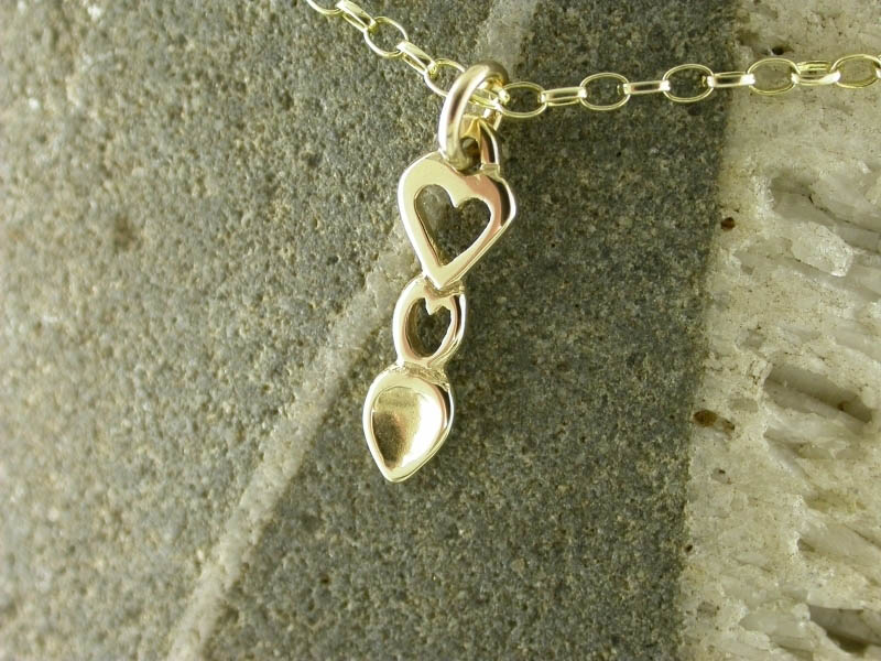 A picture of '18ct Gold Heart Love-spoon Pendant''