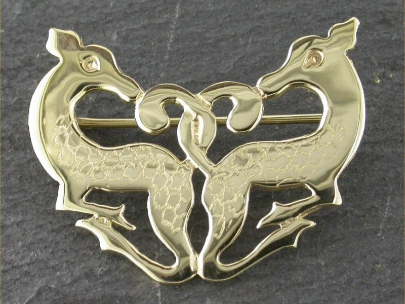18ct Gold Cwm Cych Deer Brooch