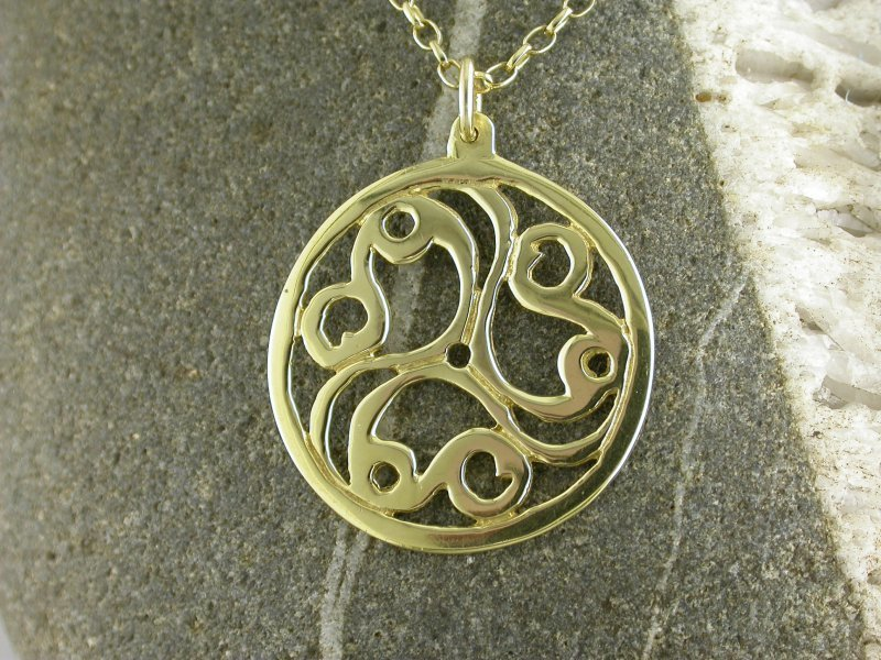 A picture of '9ct Gold Talyllyn Triskele Pendant''