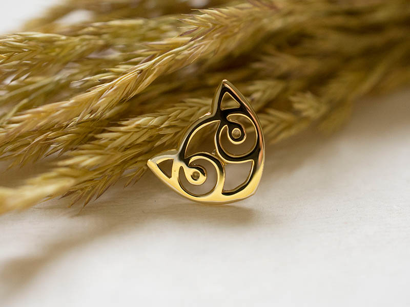 18ct Gold Small Snowdon Cat Pin