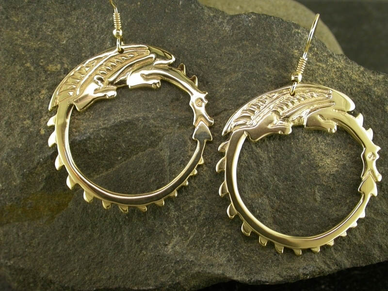 18ct Gold Circle Dragon Earrings