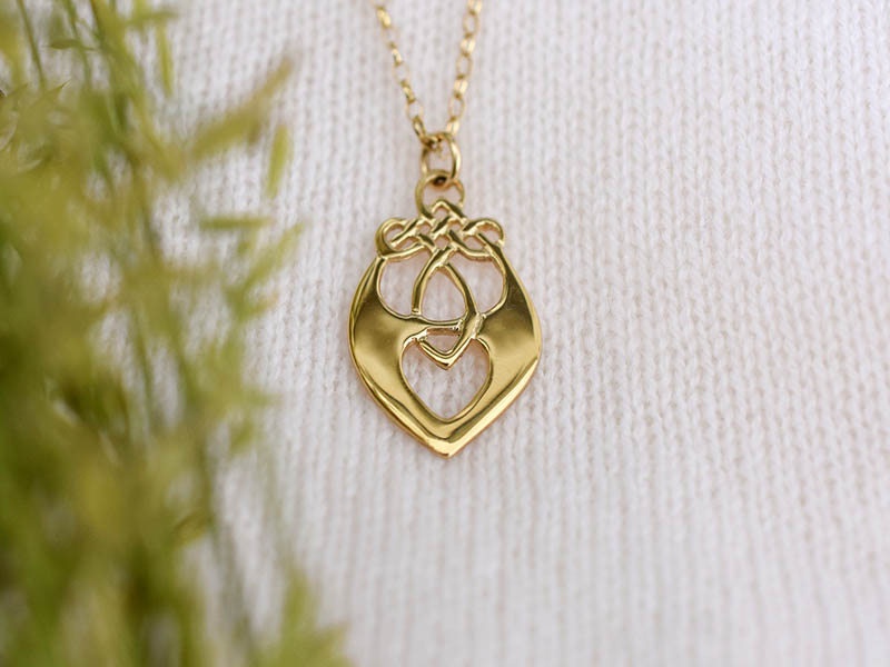 A picture of '18ct Gold Santiana Pendant''