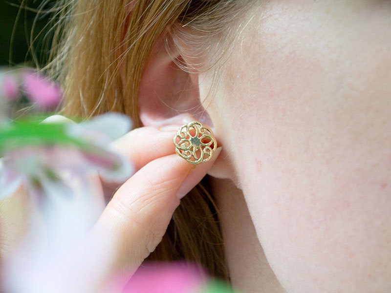 A picture of '9ct Gold Summer Rose Earstuds''
