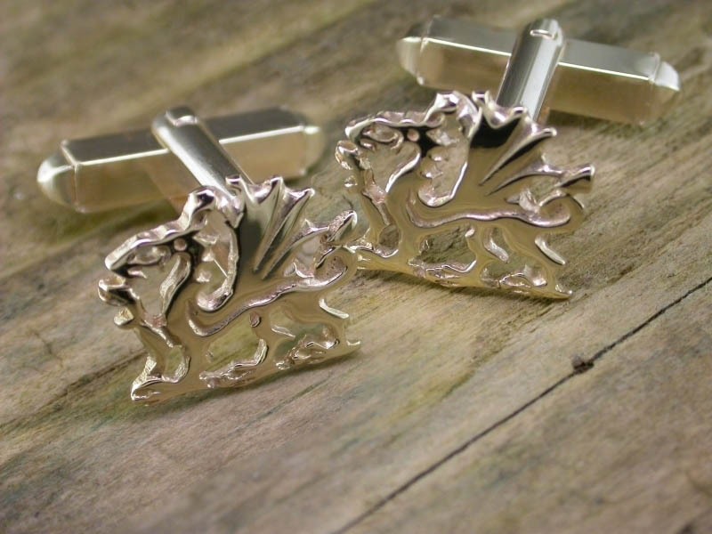 A picture of '9ct Gold Welsh Dragon Cufflinks''