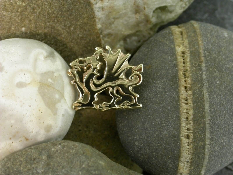 18ct Gold Welsh Dragon Pin